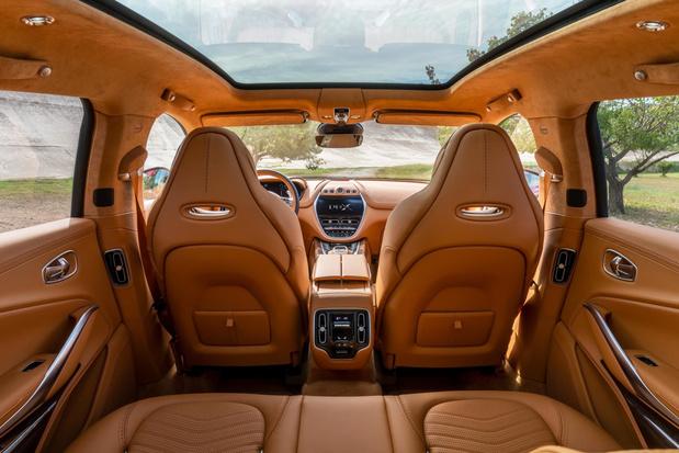 Bienvenu à bord de l'Aston Martin DBX
