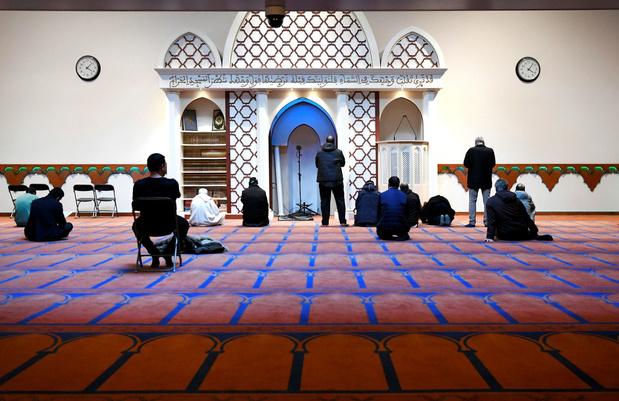 Nederlands rapport over moskeeën ziet buitenlandse aansturing: 'Wie betaalt, bepaalt'