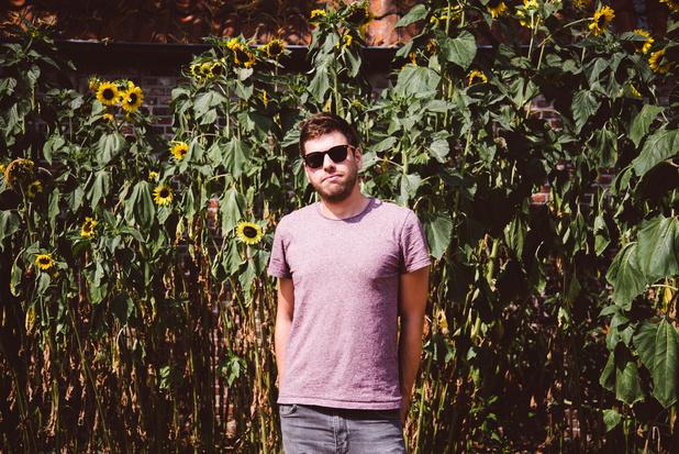 Taart en tinderliefde in de nieuwe single van Barely Autumn