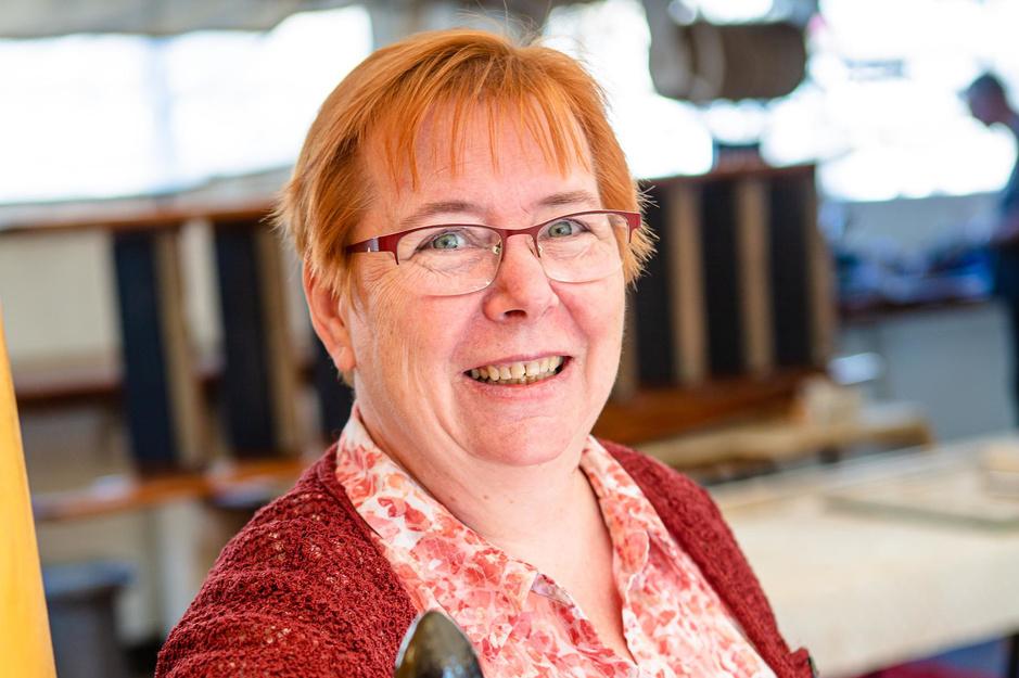 """Nadia Stubbe is voorzitter van heemkring De Plate: """"Elke dag ben ik archief aan het digitaliseren"""""""