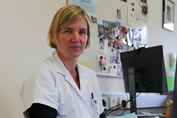 Oostends neuroloog Adinda De Pauw schrijft mee aan boek over migraine