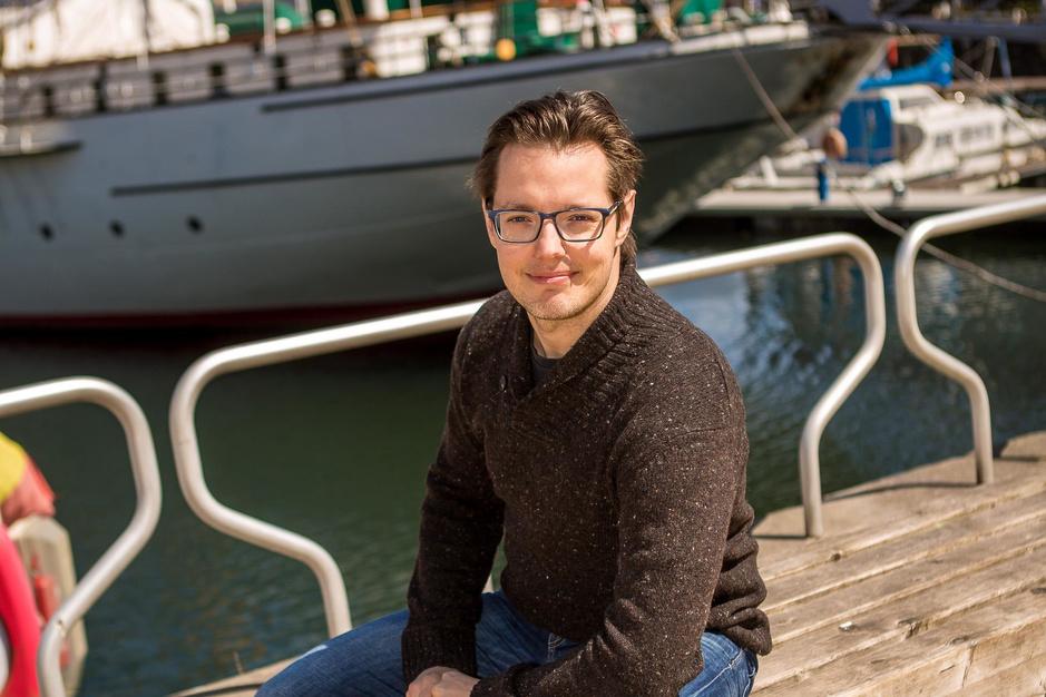 """Violist Aäron Blomme heeft een grote liefde voor de kust: """"Creativiteit leeft opnieuw in Oostende"""""""