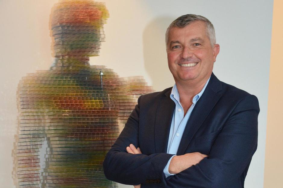 Ex-zaakvoerder Greenhouse Philip Nichelson ondersteunt nu internationale kunstenaars