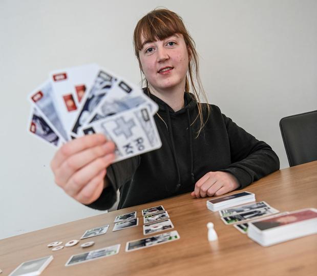 Izegemse Jessie De Jans ontwikkelt nieuw gezelschapsspel 'The Lockdown'