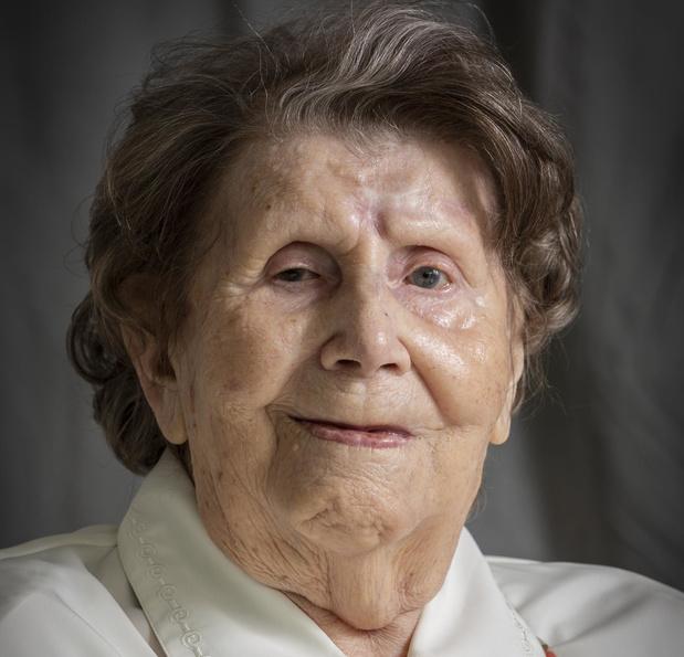 Rustenhove viert 100-jarige Maria Verhelle in stijl