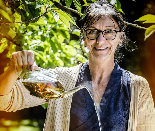 Ann Vansteenkiste uit Rumbeke over thee, onderwijs en Sergio Herman