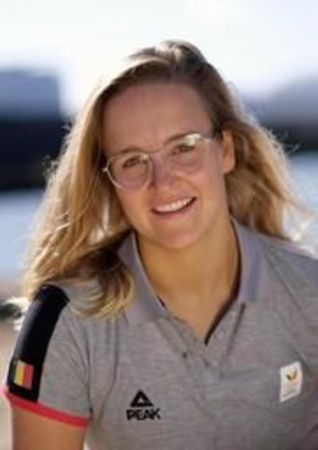 Emma Plasschaert prend la tête en Laser Radial après 6 régates à Tokyo