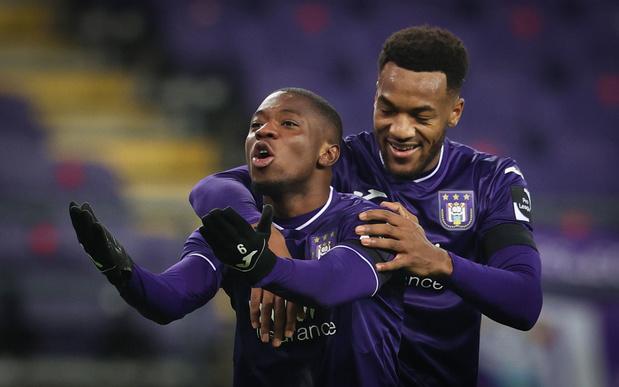 Anderlecht verslaat Charleroi en wordt derde
