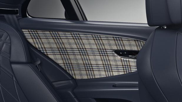 Bentley garnit ses portes avec de la laine