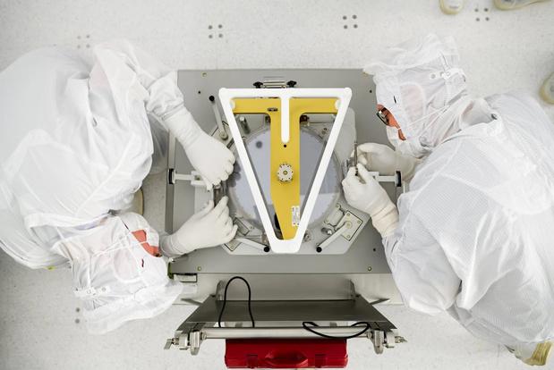 Nederlandse chipmachinemaker ASML overtreft eigen omzetverwachting