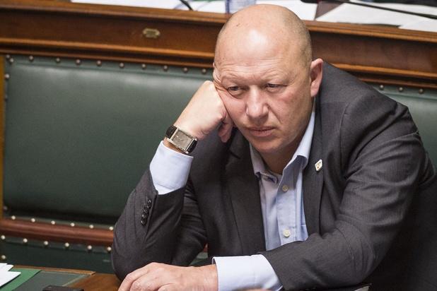 Le cumul président de parti-député ne fait pas l'unanimité au sp.a