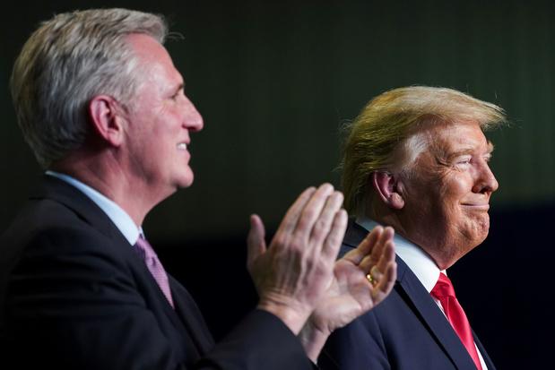 De Republikeinse Partij wringt zich in bochten maar schudt voorlopig Trump niet af
