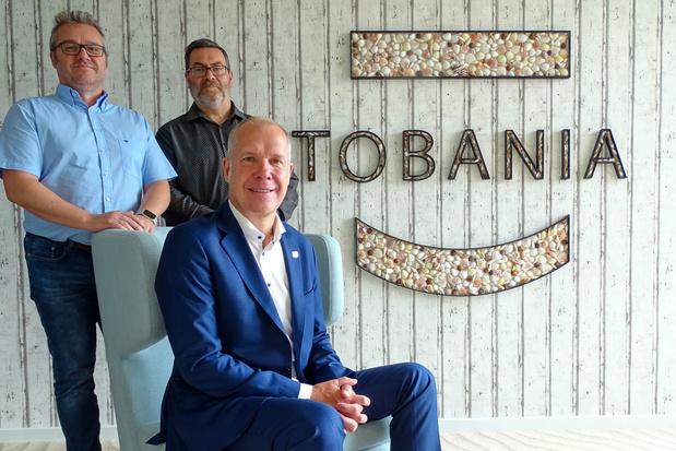 Tobania neemt UXpro over
