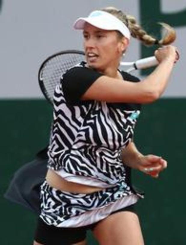 Elise Mertens domine la jeune Française Parry et file au 3e tour de Roland-Garros