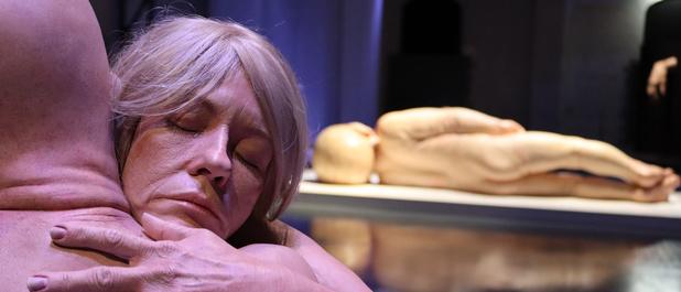 Getest: als nieuwbakken nudiste naar de expo 'Hyperrealism Sculpture' in Brussel