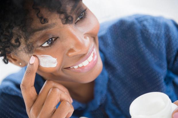 Racismedebat: L'Oréal gaat witmakende huidcrème anders promoten