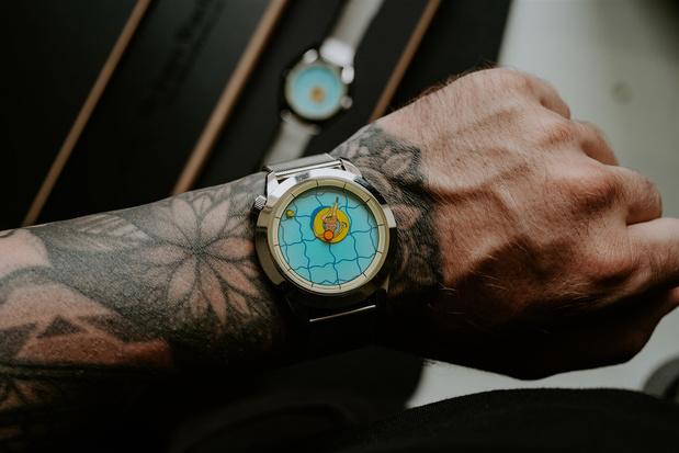 Illustrator Kristof Devos ontwierp een horloge waarbij de wijzers je wijzen op heerlijk nietsdoen
