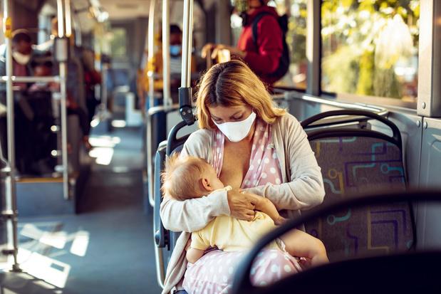 'Niemand heeft iets aan horrorverhalen of sprookjes als het gaat over borstvoeding'