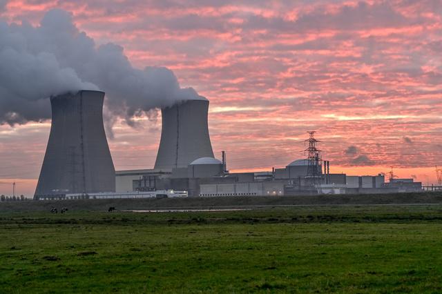 """Nucléaire: les niveaux de radioactivité ne révèlent """"aucun problème particulier"""" en Belgique"""