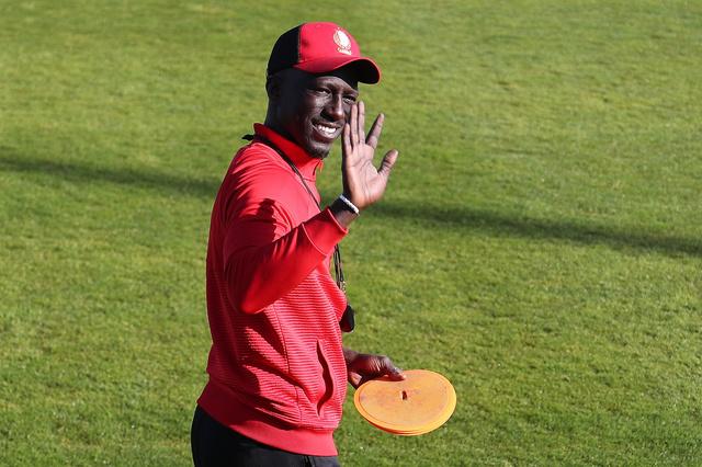 Mbaye Leye sera toujours l'entraîneur du Standard la saison prochaine