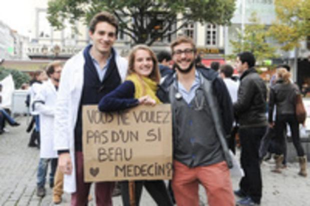 cdH wil Riziv-nummer voor alle artsen die dit jaar afstuderen