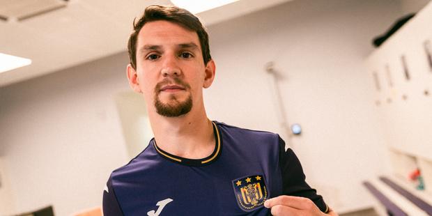 Anderlecht verrast en haalt Benito Raman terug naar België