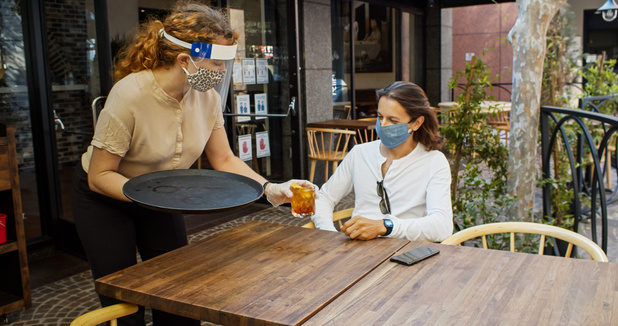"""Bruxelles doit compenser """"intégralement"""" la perte de chiffre d'affaires des cafés"""
