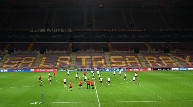Un joueur de Galatasaray hospitalisé après un accident avec des feux d'artifice