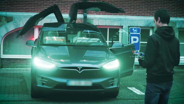 Onderzoekers KU Leuven vinden 'ernstige zwakheden' in draadloze autosleutel Tesla