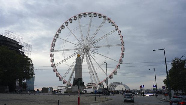 Bruxelles: la grande roue veut faire revivre le quartier des Marolles