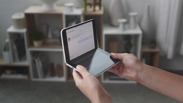 Microsoft fait un retour timide, mais à double écran, dans les smartphones