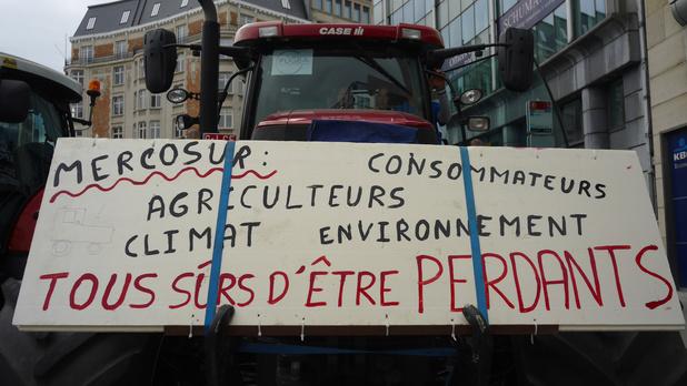 Une bonne centaine de tracteurs à Bruxelles pour défendre la Politique agricole commune