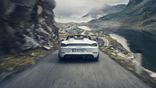 China krijgt historisch correcte Porsche 718 Spyder