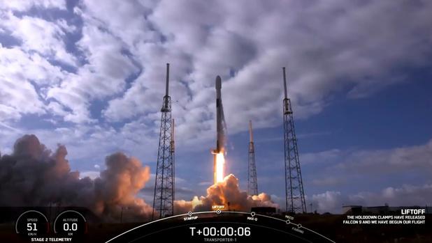 Un prototype de fusée SpaceX s'écrase à l'atterrissage