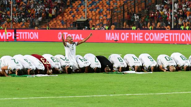 Algerije verslaat Senegal in finale van Afrika Cup