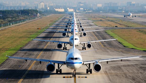 Vliegtuigreizen worden volgens nieuw rapport steeds toegankelijker en efficiënter