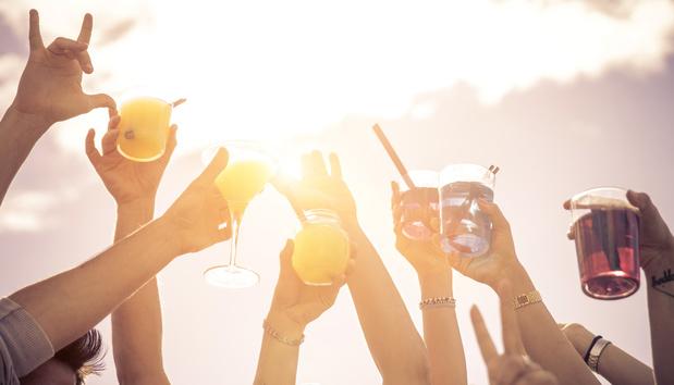 Vakantie in een glas: de zeven lekkerste stranddrankjes wereldwijd