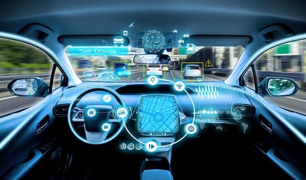 """La """"smart highway"""", nouveau terrain de test pour les voitures connectées le long de l'E313"""
