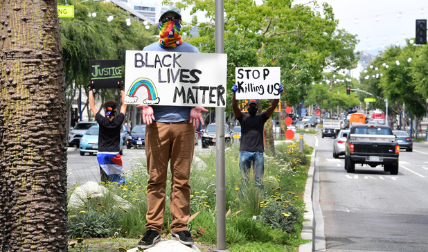 Les patrons américains face aux tensions raciales doivent oublier les mots et passer aux actes