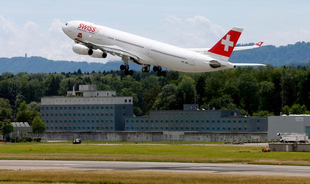 La compagnie aérienne Swiss veut licencier le personnel non-vacciné