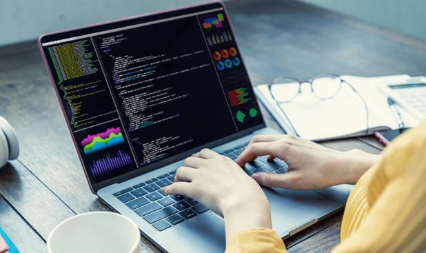 JavaScript, le langage principal, selon les CIO