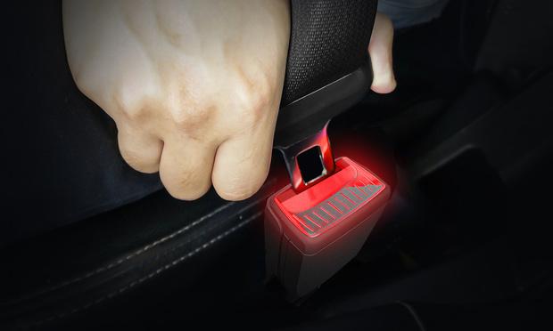 Skoda invente la boucle de ceinture illuminée