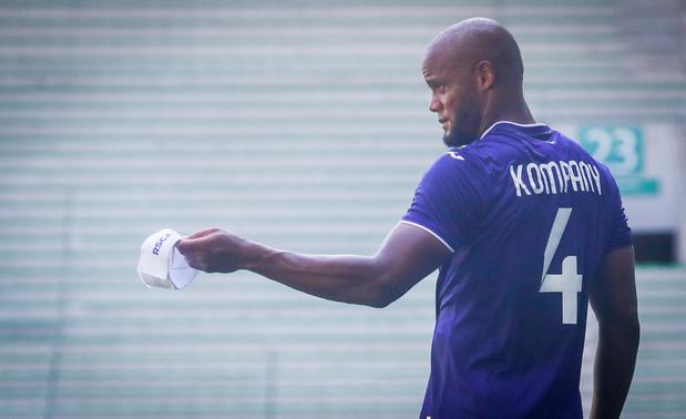 """""""Iconique"""", """"Un des meilleurs footballeurs belges de tous les temps"""": les réactions après l'annonce de Kompany"""