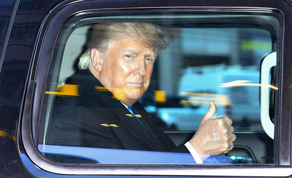 Donald Trump noemt Liz Cheney na haar afzetting 'een bitter, afschuwelijk mens'