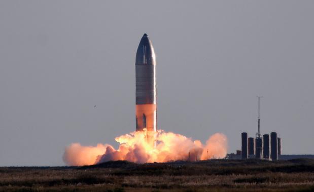 SpaceX wil dit jaar vier toeristen in de ruimte lanceren