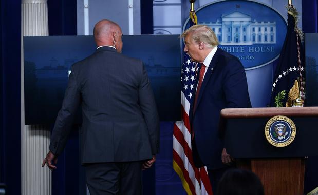 Trump moet persconferentie abrupt onderbreken na schietpartij buiten Witte Huis