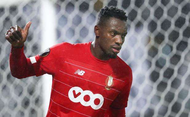 Officiel: Paul-José Mpoku quitte le Standard et signe à Al-Wahda