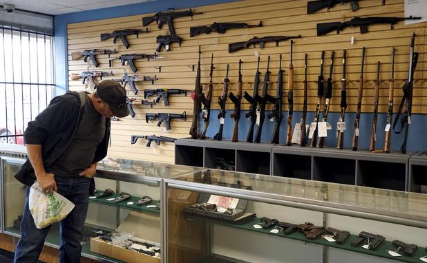 Kleuter in Texas vindt wapen en schiet zichzelf dood