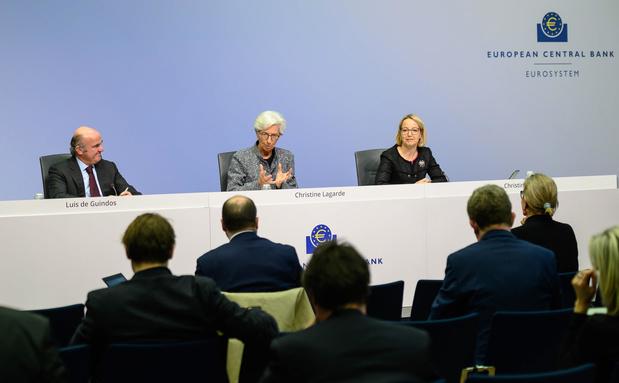 """Lagarde alerte les 27 de l'UE contre """"le risque d'agir trop peu, trop tard"""""""