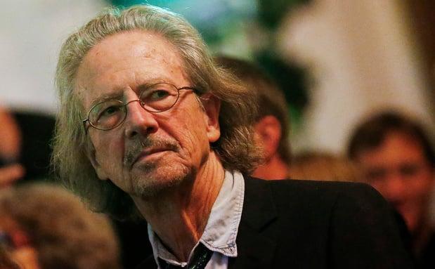 Ziener, wandelaar en aanhanger van Milosevic: wie is Nobelprijswinnaar Peter Handke?